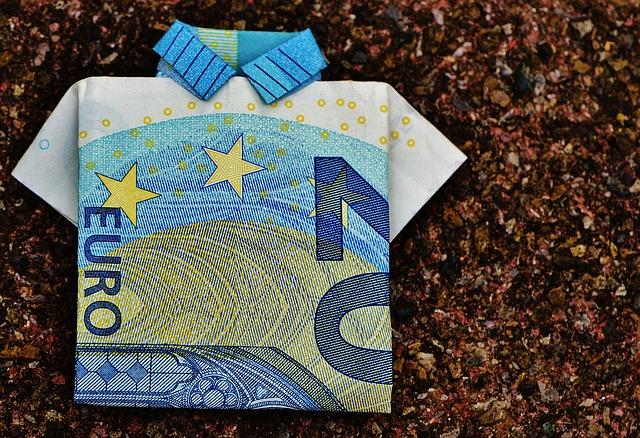 košeľa z dvadsať eurovky.jpg